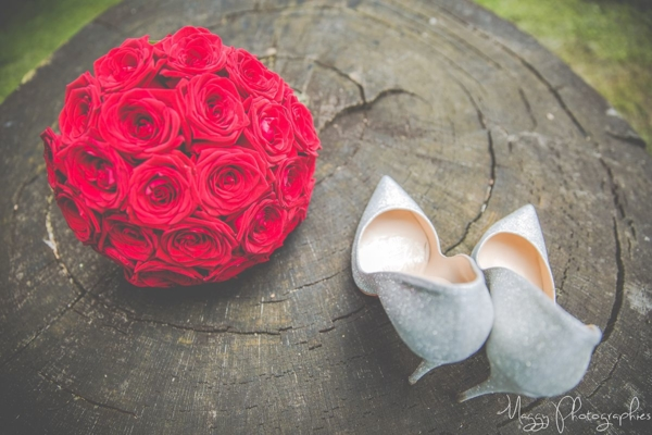 photo-bouquet-chaussure-marie-pour-la-vie-maggy-photographies
