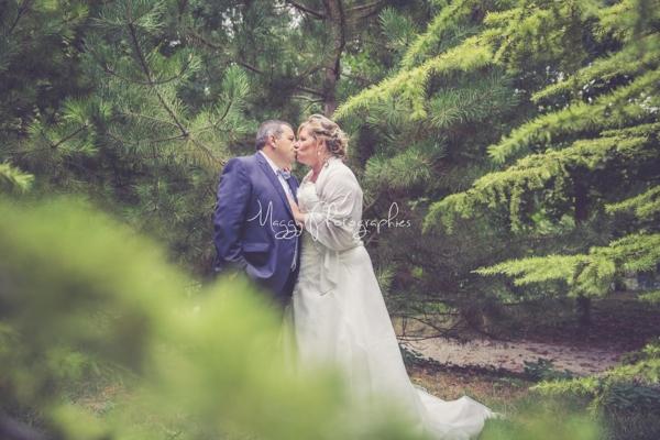 photo-jeune-maries-dans-la-nature-pour-la-vie-maggy-photographies